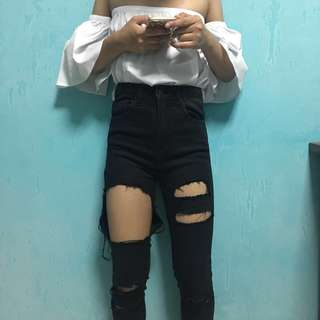 Black Highwaisted Ripped Jeans