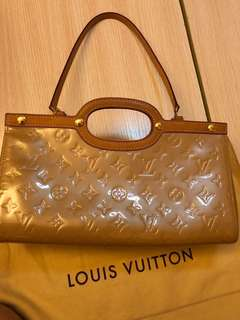LV Monogram Vernis leather in beige