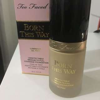 Too Faced: born this way foundation