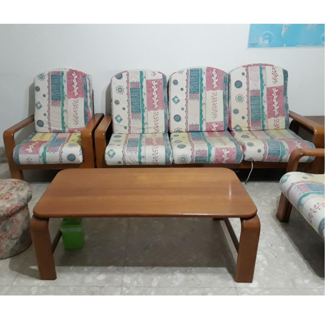 3+1+1 Sofa Set and Coffee Table