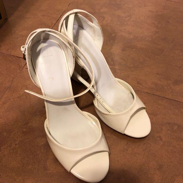 fe599ae4e62 Zara white block heels 38 worn once