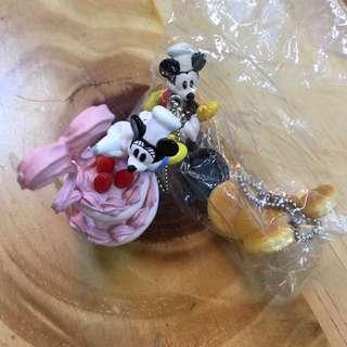 🚚 迪士尼 絕版甜點 盒玩 吊飾 米奇 米妮