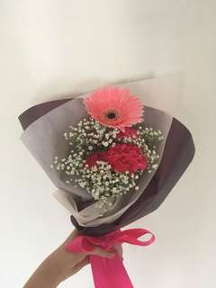 Gerbera-Carnation bouquet