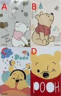 🚚 維尼一卡通 蜜蜂朋友、飛高高、下雨了、Peekaboo 四款可挑