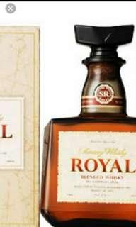 三得利Royal威士忌700ml連盒。