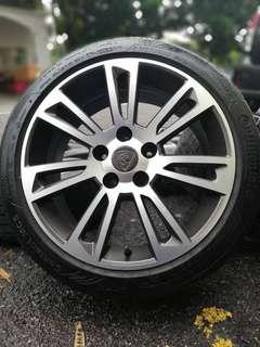 Original sports rim suprima s 17 inch tyre 90%. *sports rim ini telah didoakan supaya pembelinya masuk simpang bagi signal*