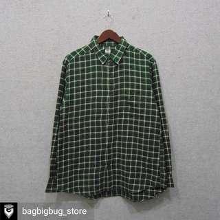 UNIQLO Flannel Size XL
