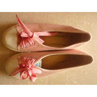 Ladies Canvas Shoes size 39