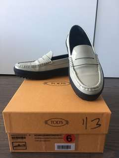 Tod's patent leather penny loafer Size 36/37