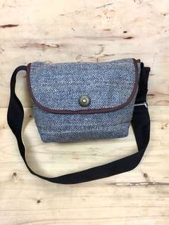 HARRIS TWEED SCOTLAND HANDWOVEN WOOL MESSENGER BAG