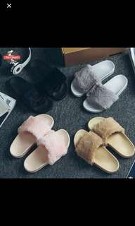 furry slides / slippers / slip on