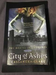 City of ashes mortal instrument book #2