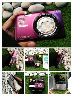Nikon Coolpix s2700 purple