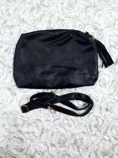 BNIP Black Sling Bag With Tassel