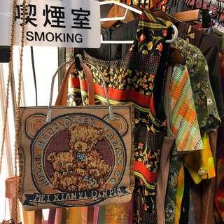 🚚 全新日本精緻提把小熊刺繡感包包