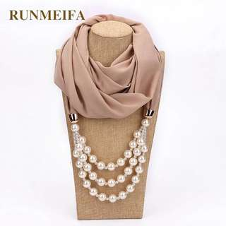 Scarf with Necklace Pearls