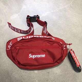 🚚 Supreme 新款背包腰包。 正品,帶圖報價!