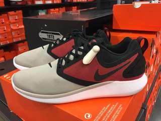 Nike Lunar Solo size 11