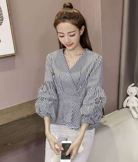 Cotton strip girl top with lantern sleeve