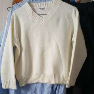 Sweater Cream White