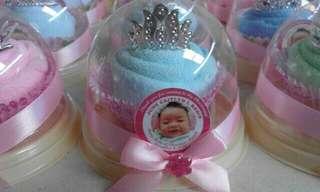 Cupcake towel souvenir