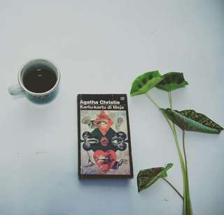 Novel Agatha christie