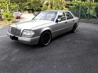 Mercedes W124 260E