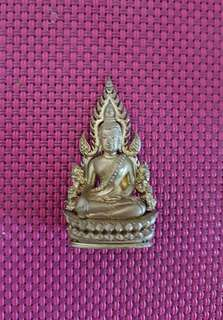 Phra Jinarag with cling inside