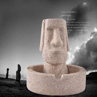。Moai 摩艾煙灰缸。