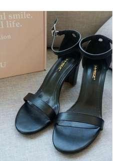 🚚 歐美簡約一字繞頸粗跟涼鞋