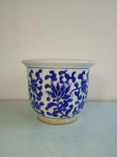 70s Blue And White Flowers Pot Height 21cm Diameter 27cm perfect condition