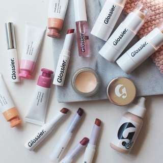 GLOSSIER MAKEUP SPREE (CLOSED)