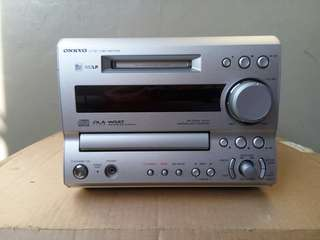 Onkyo CD MD Tuner amplifier