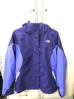 特價全新100% new The North Face 保暖風褸一件