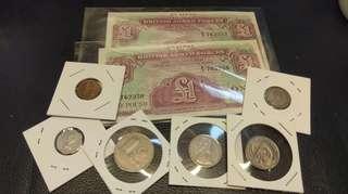 外國紙幣兩張加外國硬幣六個