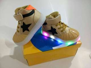 BOOTH STAR CONVERSE STAR