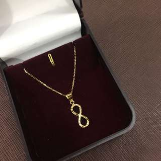 18K Gold -- Infinity Necklace