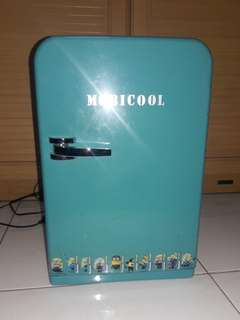 Mobicool mini fridge F15