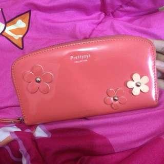 dompet bunga warna peach