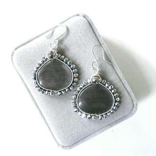 Cats Eye Grey Earrings