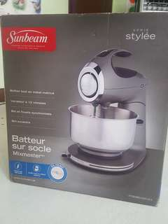 Sunbeam FPSBSM2101 Heritage Series 350-Watt Stand Mixer, Black
