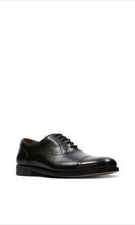 Clarks 正裝牛津皮鞋