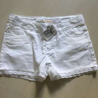 Bnwt fox fashion white shorts with lace xs s