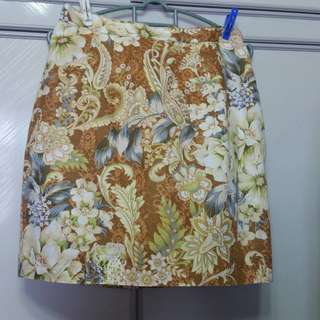 Size 27 Linen fully lined floral skirt