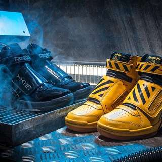 REEBOK COLLECTABLE FINAL BATTLE IN ALIENS SHOES