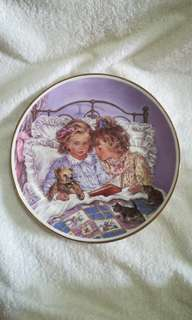 "Vintage The Leonardo Collection Decorative Plate ""Bedtime Story"" by Christine Haworth"