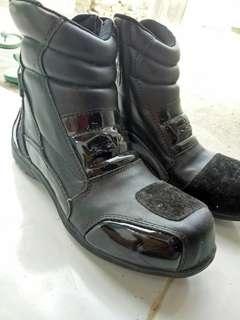 Razor Boot