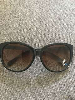 Kardashian glasses