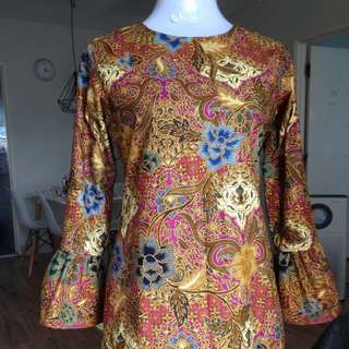 Azizah Batik Top in Fuschia Brown