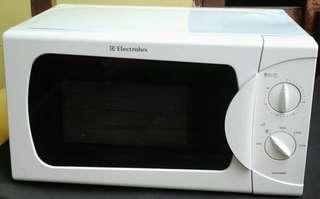 Macrowave Electrolux